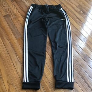New without tag Adidas tapered leg jogger